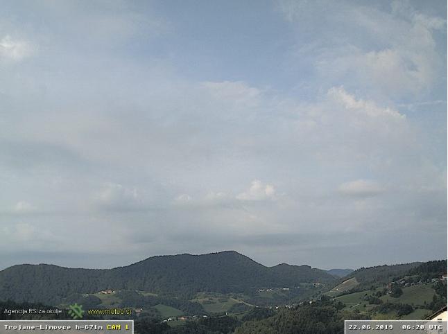 Slika iz vremenske kamere iz Trojan gledano v smeri jugo-vzhod ob 8:20