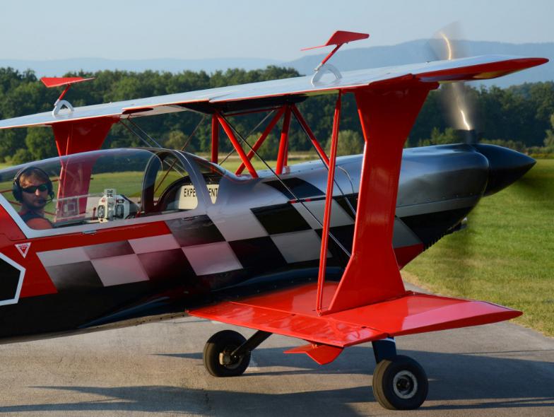 Sašo in Ultimate biplane